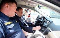 Auto tirgoņi apšmauc policiju un piegādā neatbilstošu transportu