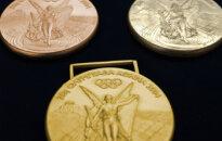 Aigars Apinis kļūst par paralimpisko spēļu čempionu diska mešanā