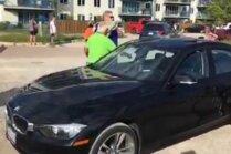 Video: Iedzīvotājs ASV izsit svešas automašīnas stiklu, lai izglābtu suni