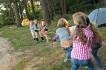 Психолог: Разрешите ребенку играть в дворовые игры