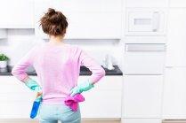 Ģenerāltīrīšana virtuvē: padomi spodrināšanas darbiem
