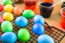 Kā nožāvēt olas, nesabojājot mākslu