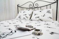 Stilīgas, pielāgojamas interjeram un vienmēr modē – gultas ar metāla rāmi