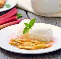 Cepti rabarberi ar saldējumu