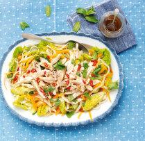 Lapu salāti ar vistu, rīsu nūdelēm un čili