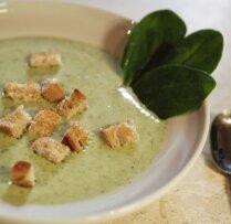 Два рецепта полезных супов-пюре из шпината
