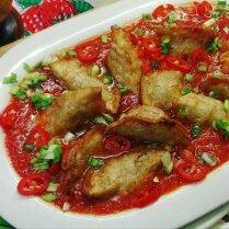 Пельмени во фритюре в пикантном овощном соусе с карри