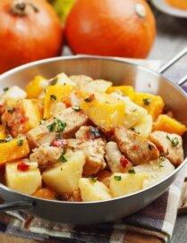 Kartupeļu un ķirbju sautējums ar vistas gaļu