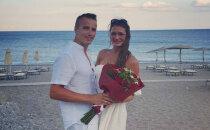Privāti kadri: Erotisko dižpārdokļu autore Račko Grieķijā atzīmē kāzu jubileju