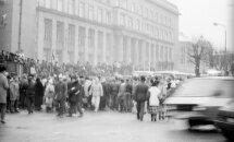 #Ziņas1991: OMON nepamet Preses namu; 'Maizes desai' zema kvalitāte