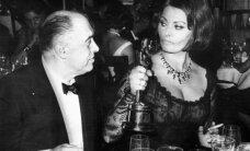 Vēsturiski foto: Kas notiek pēc 'Oskara' saņemšanas