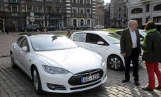 Foto: Pirmais elektromobiļu salidojums Latvijā