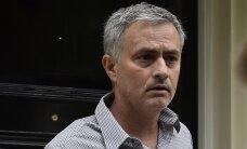 'Manchester United' problēmas ar Mourinju paziņošanu - tiesības uz viņa vārdu pieder 'Chelsea'
