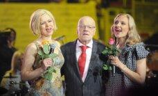 Foto: Grandiozais Jāņa Petera 75.jubilejas koncerts