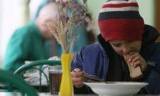 Sankciju ietekme: Krievijā palielina iztikas minimumu; zem nabadzības sliekšņa dzīvo 16 miljoni