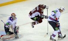 Rīgā dzimušais Tihonovs palīdz SKA pieveikt 'Dinamo' hokejistus