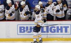 Girgensons pēc divu mēnešu pārtraukuma atzīmējas ar vārtu guvumu NHL mačā