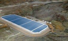 Video: Cik tālu 'Tesla' tikusi ar pasaulē lielākās rūpnīcas būvniecību