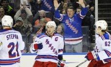 'Rangers' neatļauj Bostonas 'Bruins' un Daugaviņam iekļūt Stenlija kausa trešajā kārtā