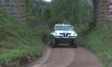Video: Iespaidīgi džipi sacenšas par uzvaru rallijreidā 'Latvian Baja'