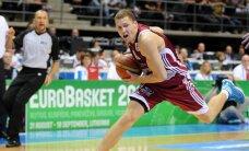 Latvijas basketbola izlase aizvada neveiksmīgas mača beigas un zaudē Serbijai