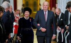 Foto: Norvēģijā svin karaļa Haralda kronēšanas 25. gadskārtu