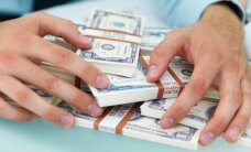 ASV dolārs piedzīvo kārtējo kāpuma nedēļu
