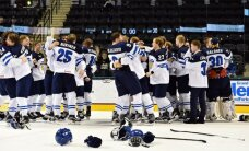 Somijas U-18 hokejisti pasaules čempionāta finālā sagrauj Zviedriju