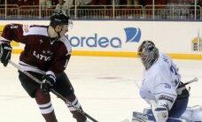 Latvijas izlase pēcspēles metienos pārspēj Francijas valstsvienību