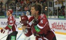 Rīgas 'Dinamo' emocionālā cīņā gūst piekto uzvaru pēc kārtas