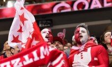 Šveices izlase pārbaudes spēlē pārspēj Zviedrijas hokejistus