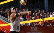 Samoilovs un Pļaviņš pasaules čempionāta grupu turnīru noslēdz bez zaudējumiem