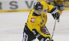 Vasiļjevs gūst vārtus; 'Pinguine' pārbaudes spēlē piedzīvo smagu sagrāvi pret KHL klubu 'Baris'