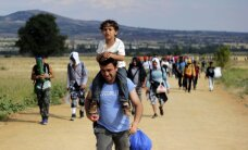 Bēgļi Latvijā: 16 miljoni uzņemšanai ir neadekvāts skaitlis, atzīst Straujuma