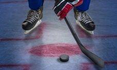 Hokejists ar vienu roku piepilda sapni un spēlē profesionālā līmenī