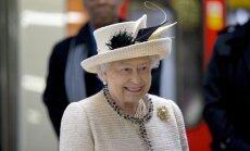 Elizabete II veikusi personīgu ziedojumu Itālijas zemestrīces glābšanas fondam