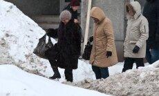 Latvijā visvairāk apdraudētas jūtas krievu valodā runājošas sievietes apmēram 50 gadu vecumā