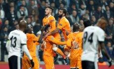 'Bešiktaš' futbolisti pirmo reizi iekļūst UEFA Čempionu līgas izslēgšanas spēlēs