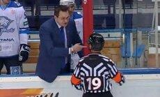 Video: 'Baris' treneris Nazarovs atkal zaudē savaldīšanos