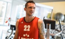 Latvijas vīriešu basketbola izlases kandidātu sarakstu papildina Šķēle