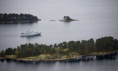 Zviedrijas specdienesti 'medī' noslēpumainu svešinieku; avarējušās zemūdenes virzienā dodas Krievijas izpētes kuģis