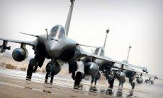 Koalīcijas spēki sabombardējuši Sīrijas armijas munīcijas noliktavu