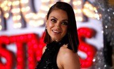 Vilinošās balss īpašniece, kura bērnībā nemācēja angļu valodu: seksapīlā aktrise Mila Kunisa