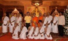 Foto: Taizemes alās izglābtie puiši iesvētīti budistu ceremonijā