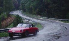 Video: klasisko auto rallijs Siguldā