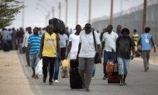 Pret bēgļu nodarbināšanu ir 71% uzņēmēju, liecina LTRK aptauja