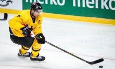 Foto: Lietuvas hokejisti savās mājās notiekošo PČ sāk ar 'sauso' uzvaru