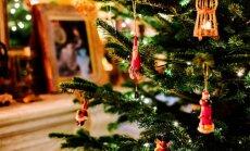 Viena par otru spožāka – kā slavenības rotājušas Ziemassvētku eglīti
