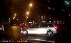 Video: Kā autovadītājs Rīgā 'audzina' citus braucējus