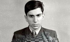 Pirmizrādi piedzīvos opera-lekcija krievu valodā 'Mihails un Mihails spēlē šahu'